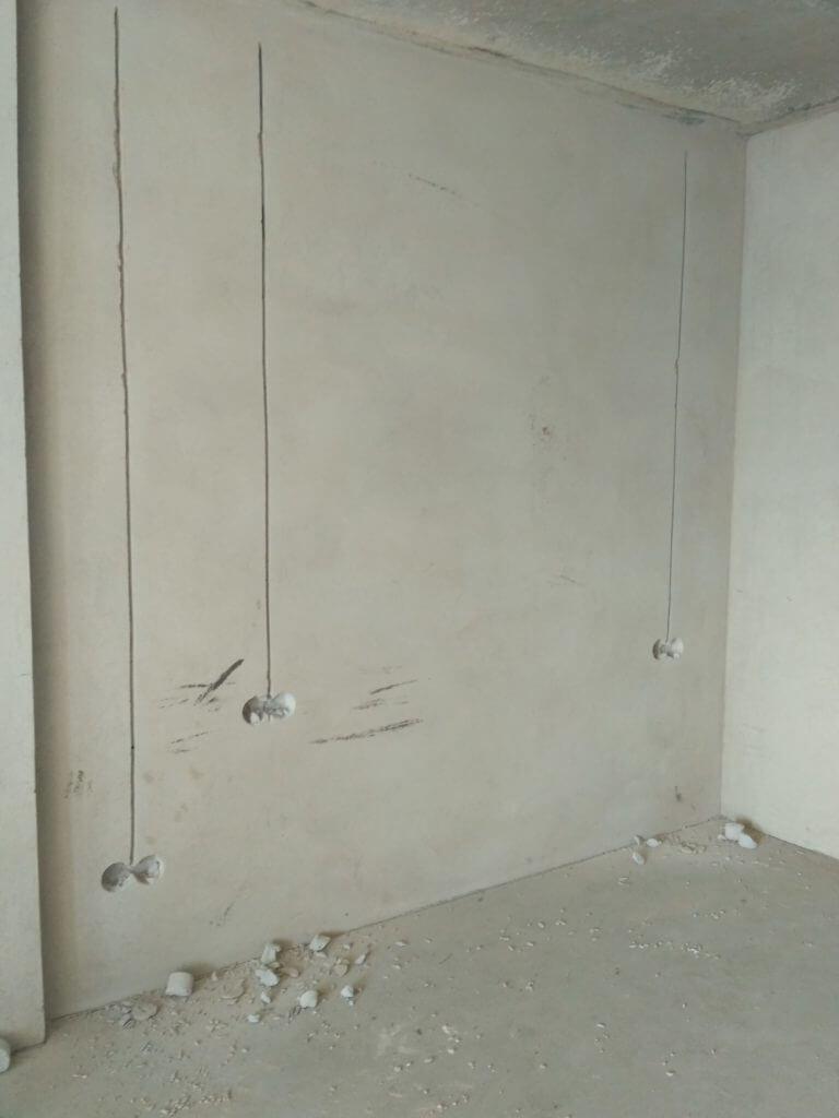 Подготовка штроб под новую электропроводку
